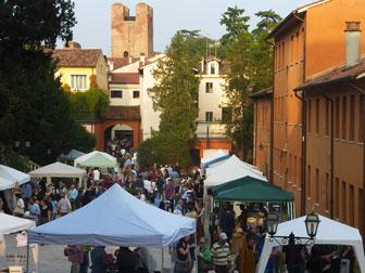 Castelfranco veneto castelfranco antiquaria mostra mercato for Mercatini dell usato veneto